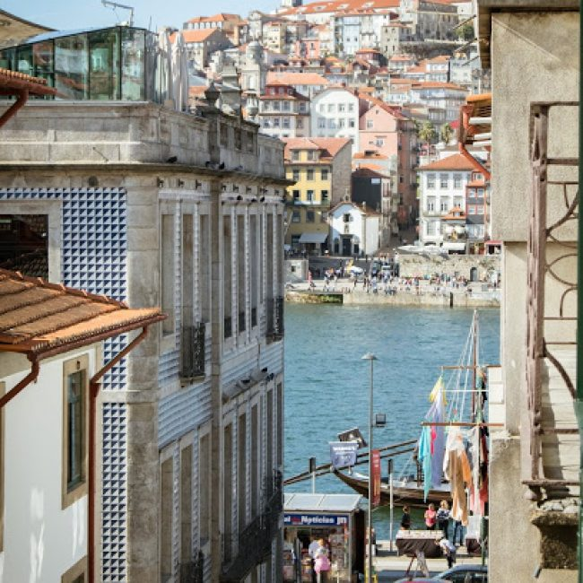 PORTO OFFICIAL TOURISM OFFICE – CENTRE