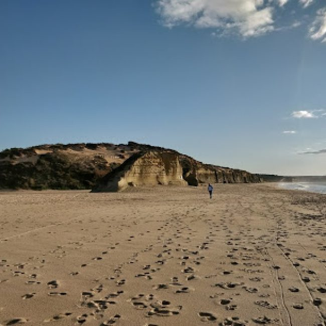 NATURIST BEACH MECO