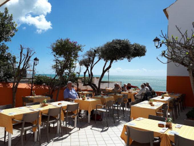 Restaurant Tres Coroas