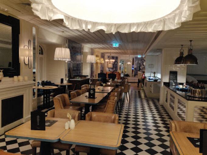 Azul E Branco Restaurant