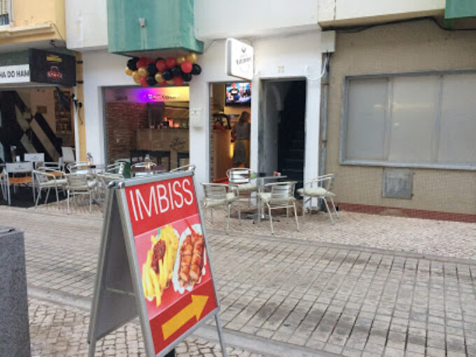 German Snack Bar Harthorst Salsicha Currywurst Algarve Portugal